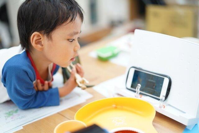オンライン上で子どもの面倒を見る「オンライン保育」サービスが開始 在宅ワークの保護者の支援を目指す