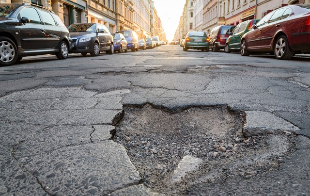 AIが道路の路面状況を判定し維持管理を支援する「Road Damage Detection」が無料開放を開始