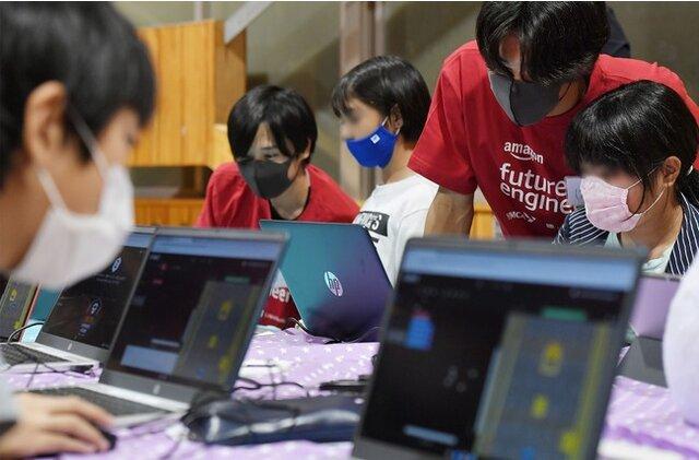 Amazon、無料のコンピューターサイエンス教育プログラム「Amazon Cyber Robotics Challenge」を日本で開始し第1回イベントを開催