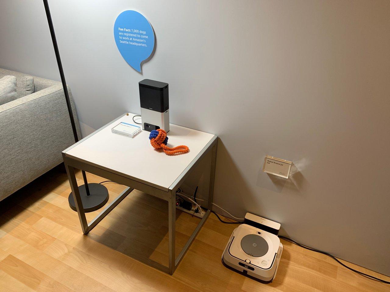 Amazonブース内で展示されたAmazonアレクサに連動する家電