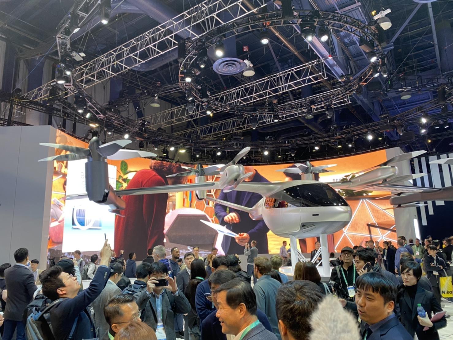 空飛ぶタクシーのコンセプトモデル「S-A1」