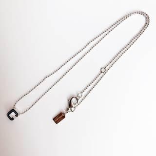 有名ブランドCOACHが製造したネックレスは、シックで...