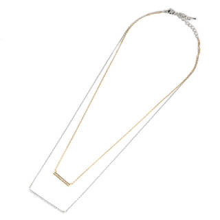 ゴールドとシルバーの2連ネックレスです。華奢なチェーン...
