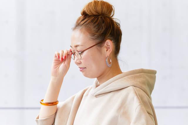 いつものファッションに馴染む。そんなメガネを選ぼう