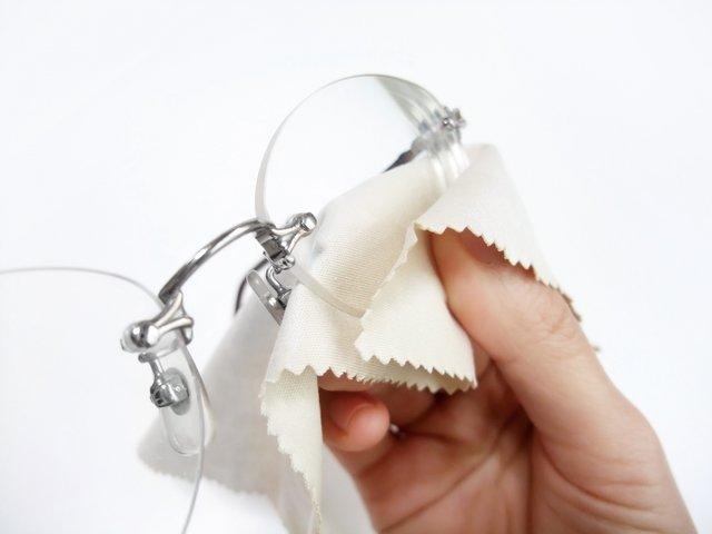 メガネの洗浄やっていますか?自宅で簡単にできるメガネの洗浄法