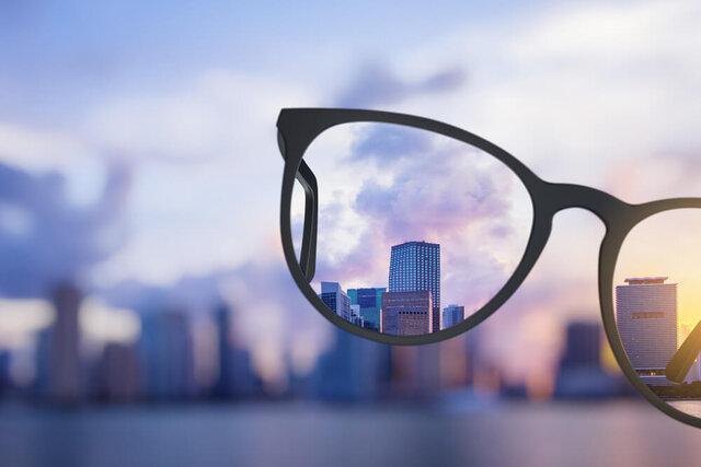 眼鏡がくもる原因は?くもり止めなどを使った対策方法を紹介