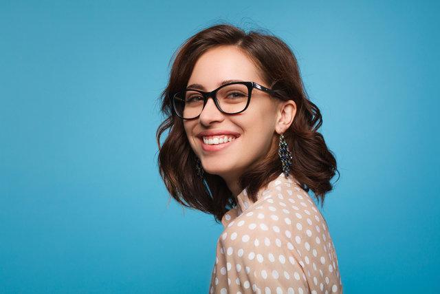 ファッションに合わせておしゃれに見えるメガネを選ぼう!