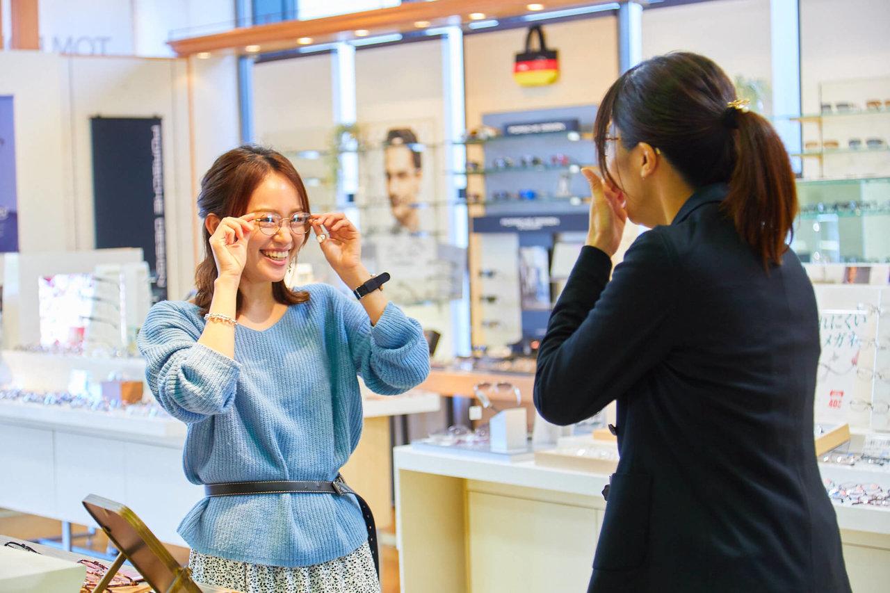 【似合うメガネ見つけます】オシャレなメガネ選びに密着!〜30代女性・卵型の顔編〜