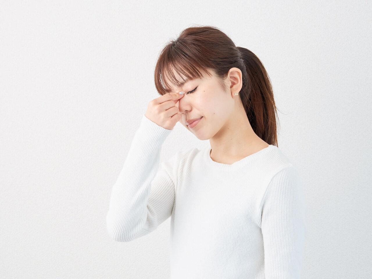 【医師監修】その症状、眼精疲労かも?自分でできるツボマッサージ方法