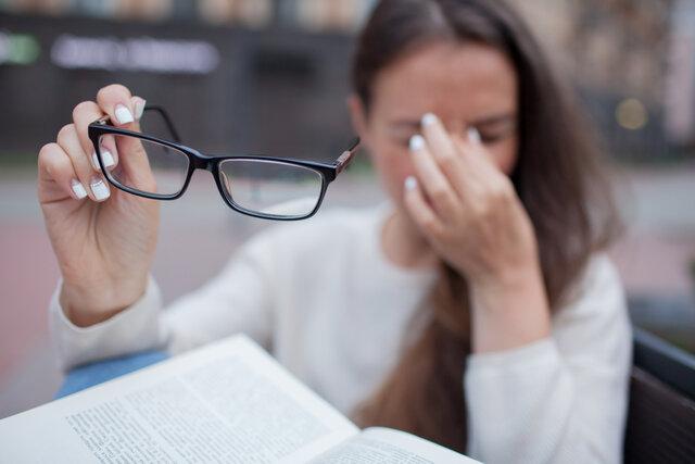メガネ跡の軽減方法は?原因を知って正しい対策を