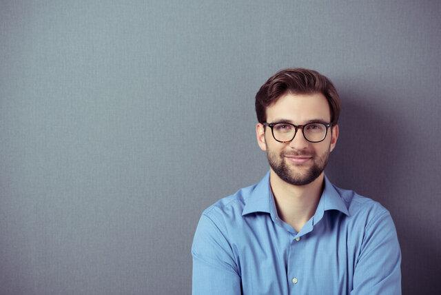 なぜメガネで目が小さくなるの?正しい選び方で新しい自分を発見しよう
