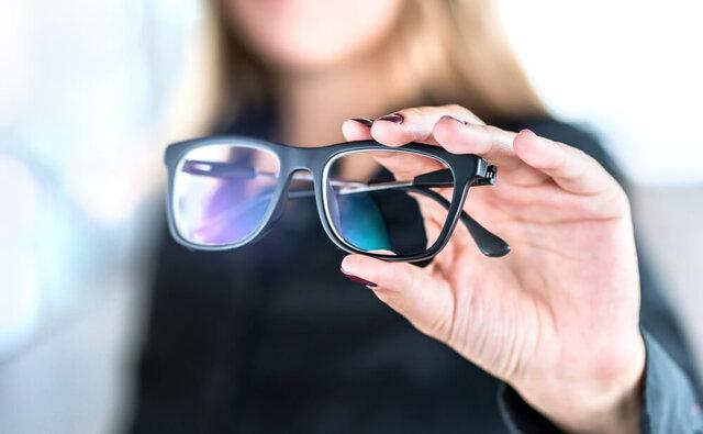 老眼も気になる大人の近視メガネとは?視力を落とさないための対策も解説