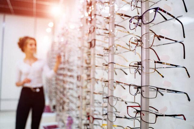 跳ね上げ式メガネの種類とメリット・デメリット。アイガンのおすすめメガネも紹介