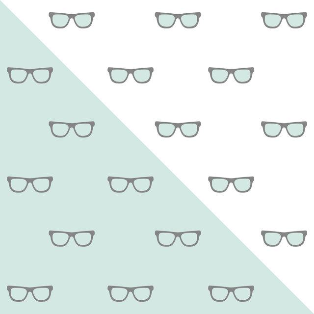 メガネがサングラスに変身!?1本で2役の「調光レンズ」とは?