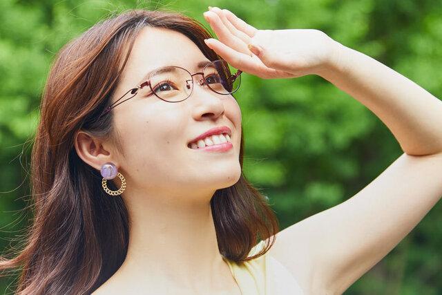 ノーファンデでも美肌生活!?スキンケアの秘訣や紫外線などの有害光線対策メガネもレビュー