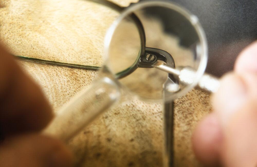 メガネと拡大鏡