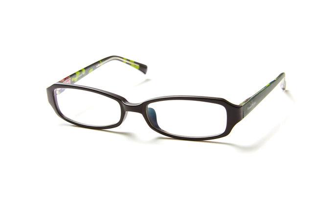 アウトドアブランド・コールマンのメガネがアイガンだけのオリジナルで登場!顔なじみの良いカラーの定番デザイン。アウトドアなテキスタイルを内面プリント。こちらはお顔をすっきりとした印象に見せたい方におすすめのバレルタイプ。