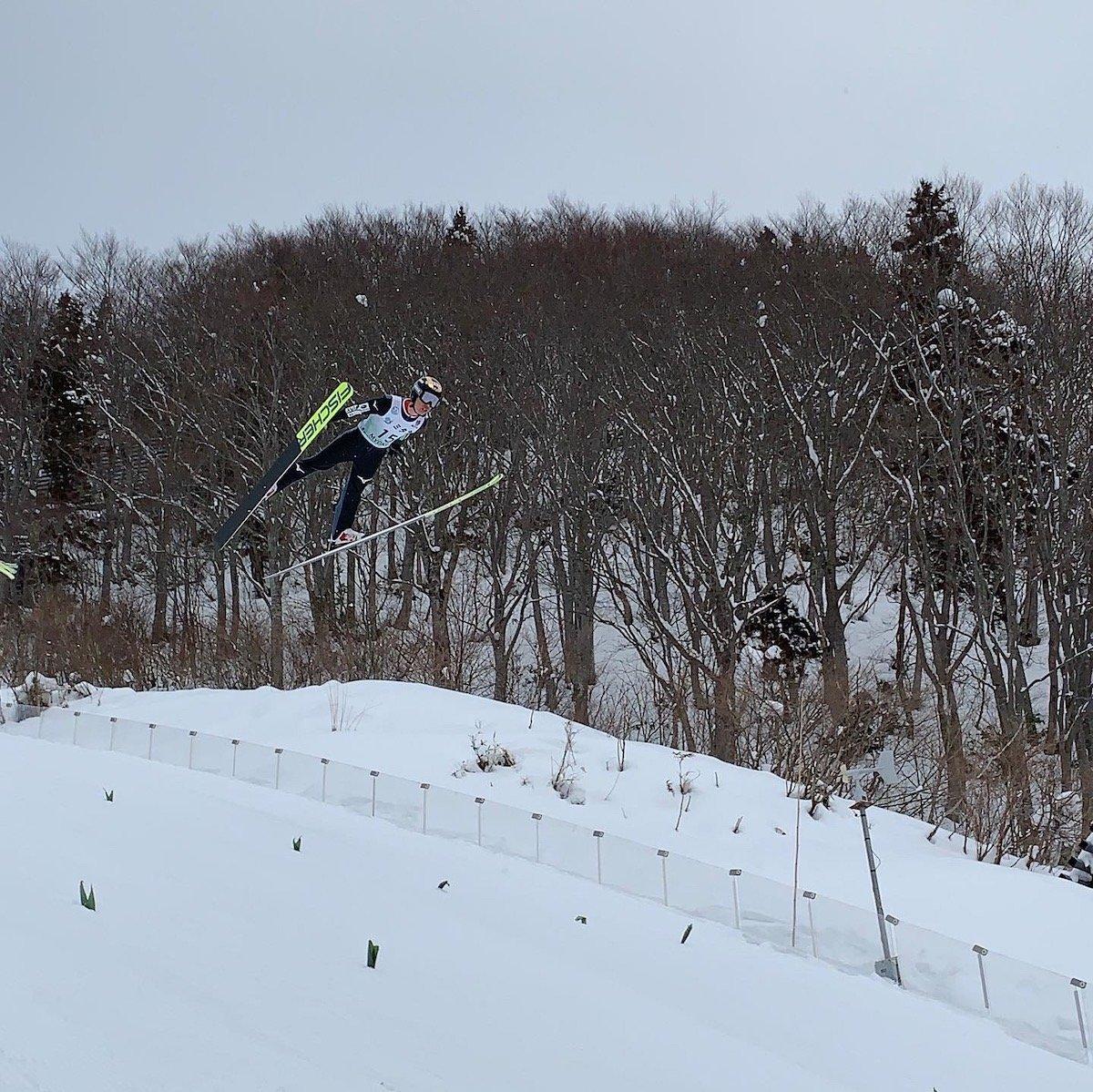 スペシャルジャンプを飛ぶコンバインドの千葉悠希選手