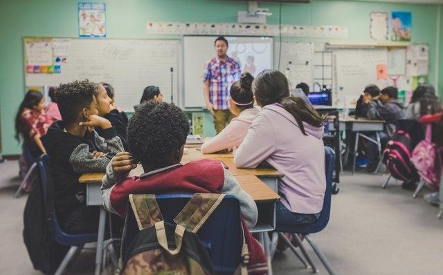 教える立場にある先生には、デザイン思考が必要と言われている