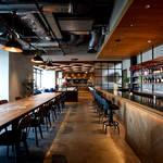 레스토랑 'Captain's Grill and Bar'