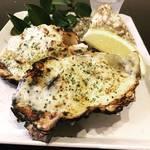 殻付き牡蠣を食す 安芸の宮島