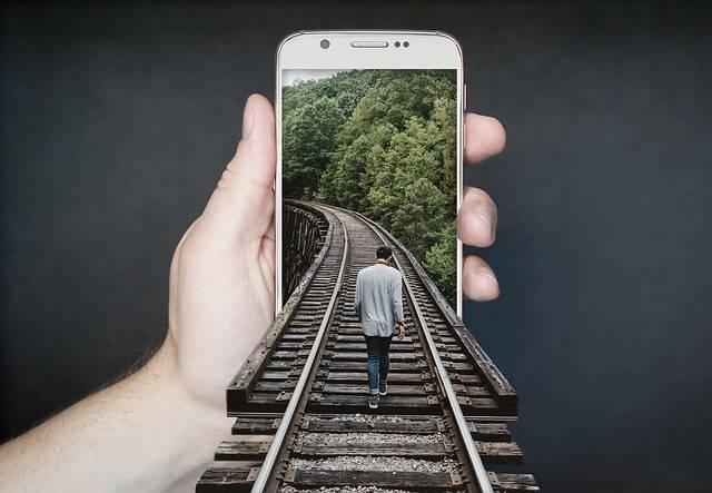 Manipulation Smartphone Gleise Run - Free photo on Pixabay (157)