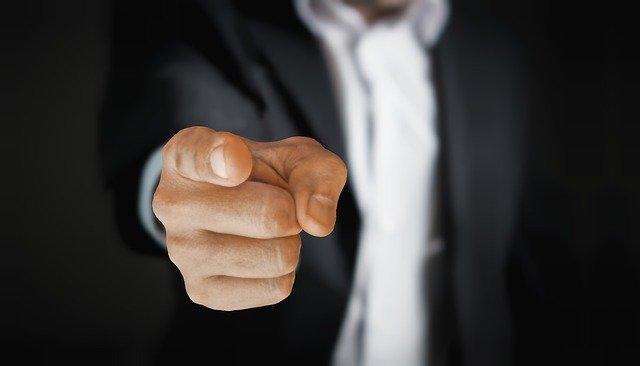 「地方転勤するくらいなら退職してやる」という人が27%も!?給料を上げる、期限付きの転勤などの条件付きならば退職しない人は53%!多くの人は地方転勤についてネガティブに考えているのか?