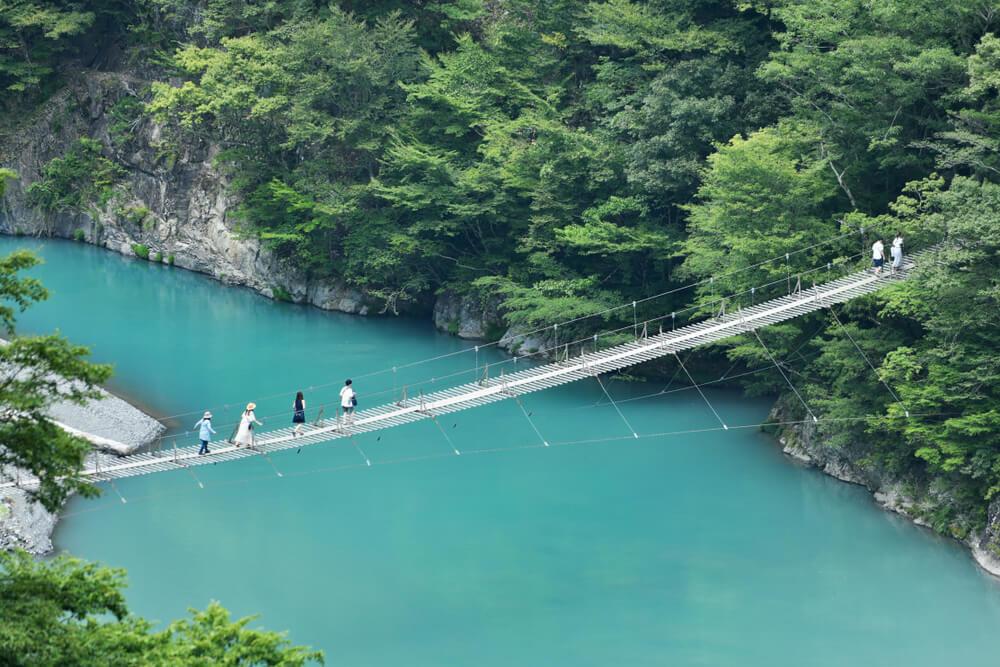 静岡の絶景が見たい!スリルが味わえる吊り橋や自然が満喫できるスポットまとめ