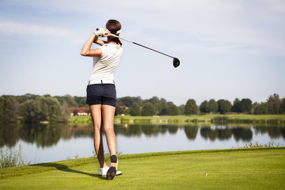 【女性版】ゴルフ初心者の持ち物リスト!コースの楽しみ方も要チェック♪