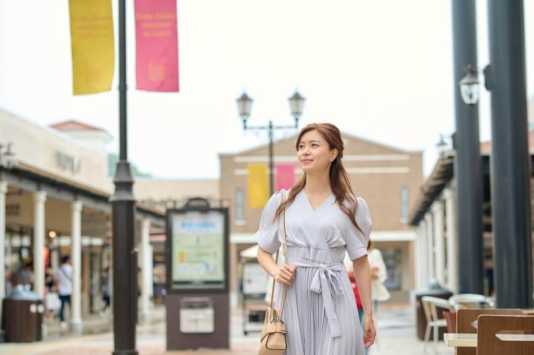 自由気ままなショッピングを満喫するソロアウトレット女子が急増中!