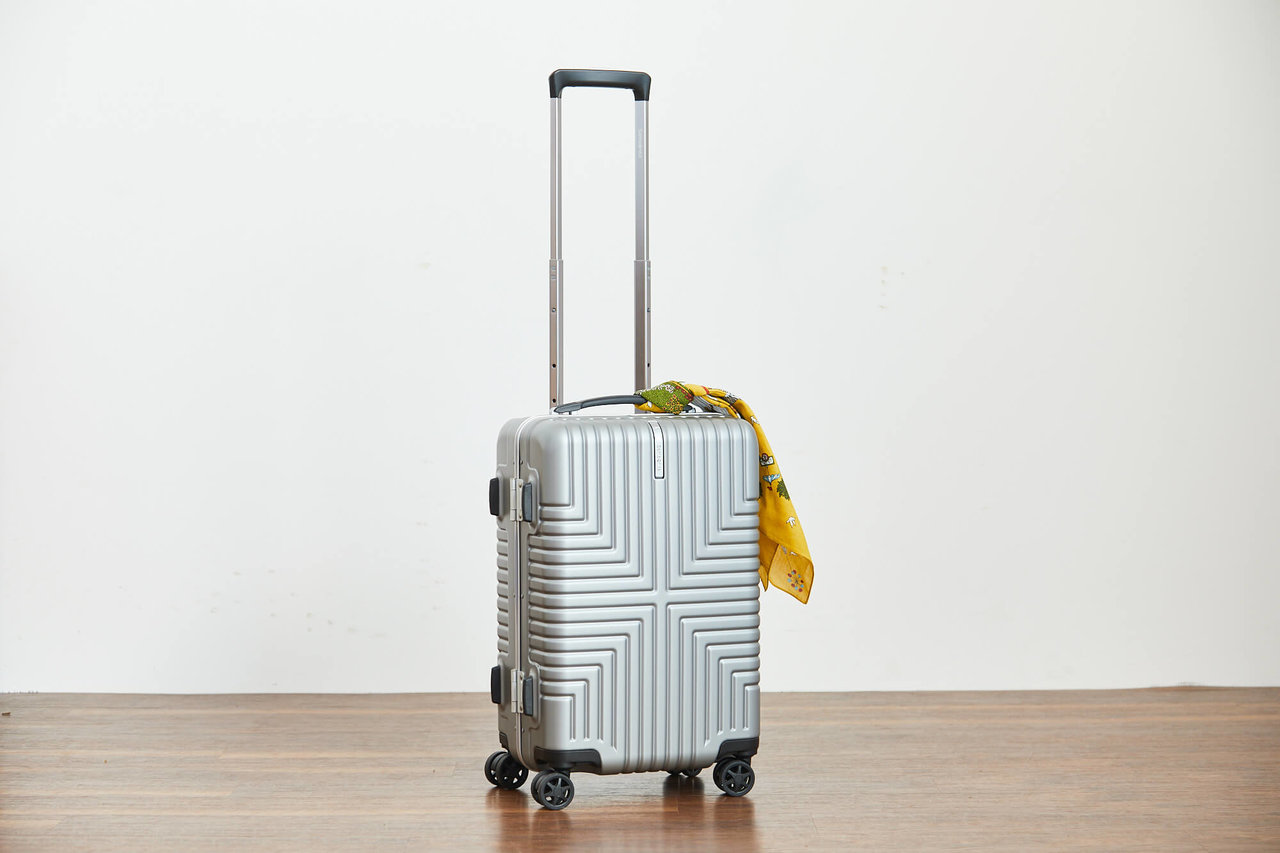 プレミアム・アウトレットで買えるスーツケース、サムソナイトの写真