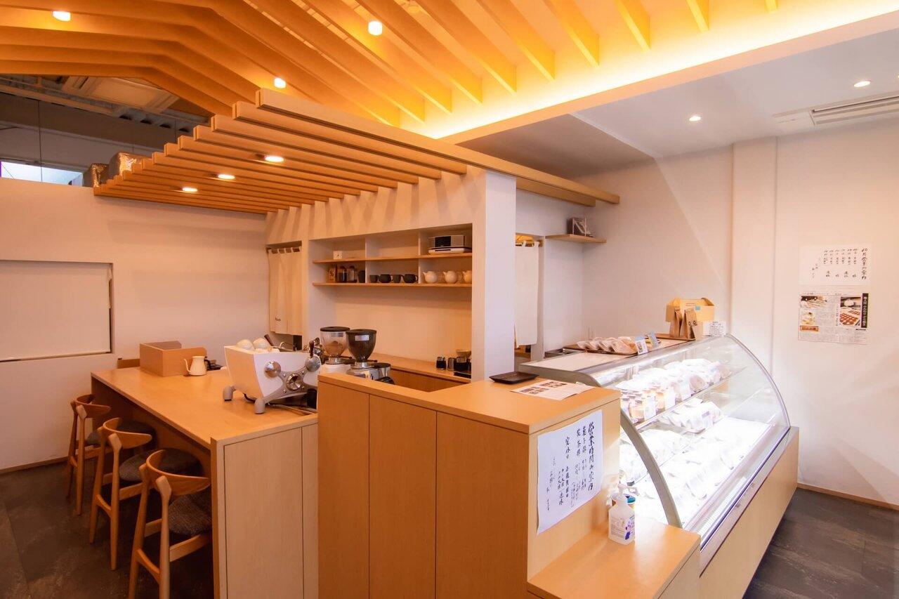 EIGYOKUDO CAFEの店内