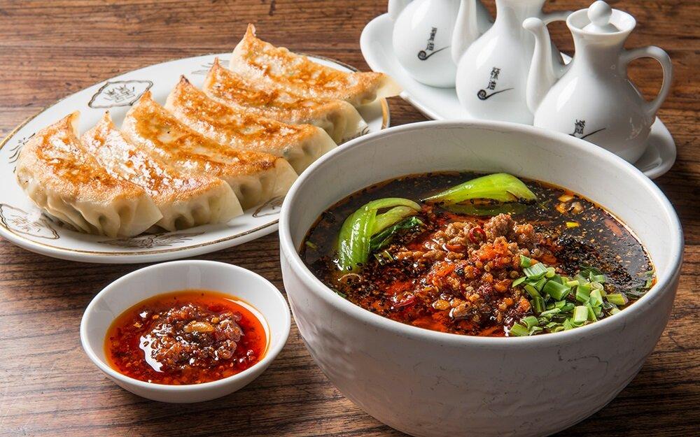チャイニーズ青菜の餃子とタンタン麺