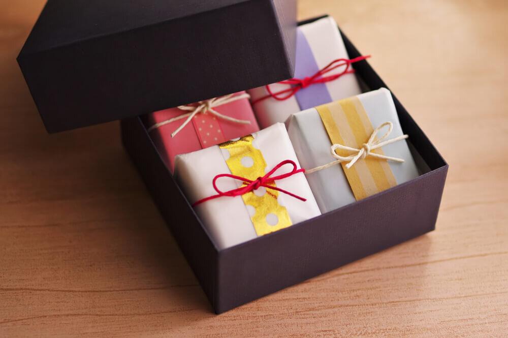 箱に入った個包装のお菓子