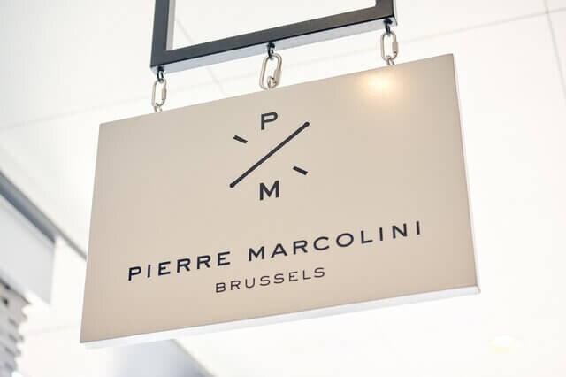 ピエールマルコリーニのお店の看板