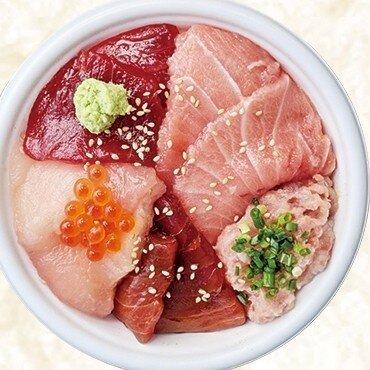 熱海おさかな食堂の新鮮なトロとろとろ丼