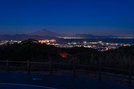 日本平 吟望台の夜景  (静岡県静岡市清水区) -こよなく夜景を愛する人へ