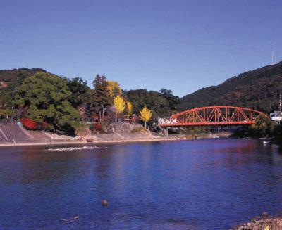 川上峡の紅葉情報 |ウォーカープラス