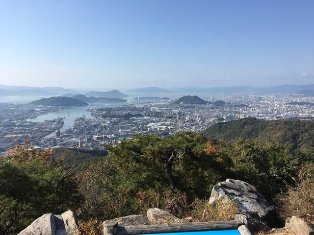 日浦山山頂から西の方を望む