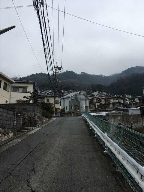 <矢野天神団地を正面に。そこから愛宕神社へ>