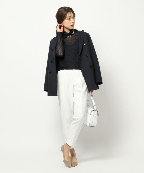 冬コーデは清潔感を。白パンツ着こなしのポイントとおすすめコーデ。