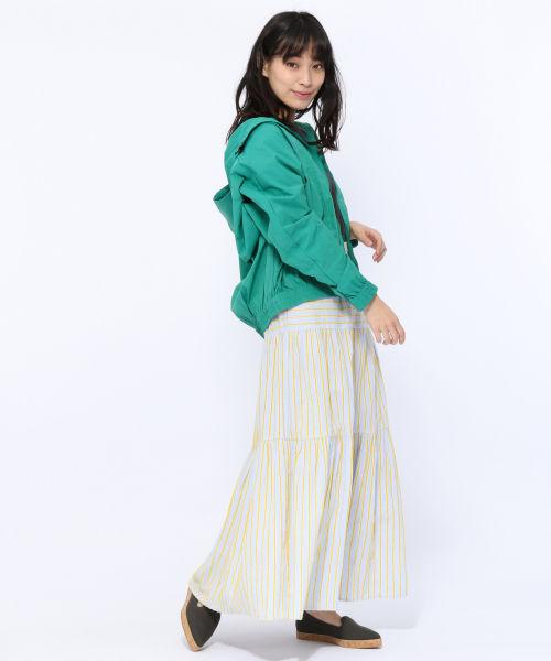 パステルイエローのスカート
