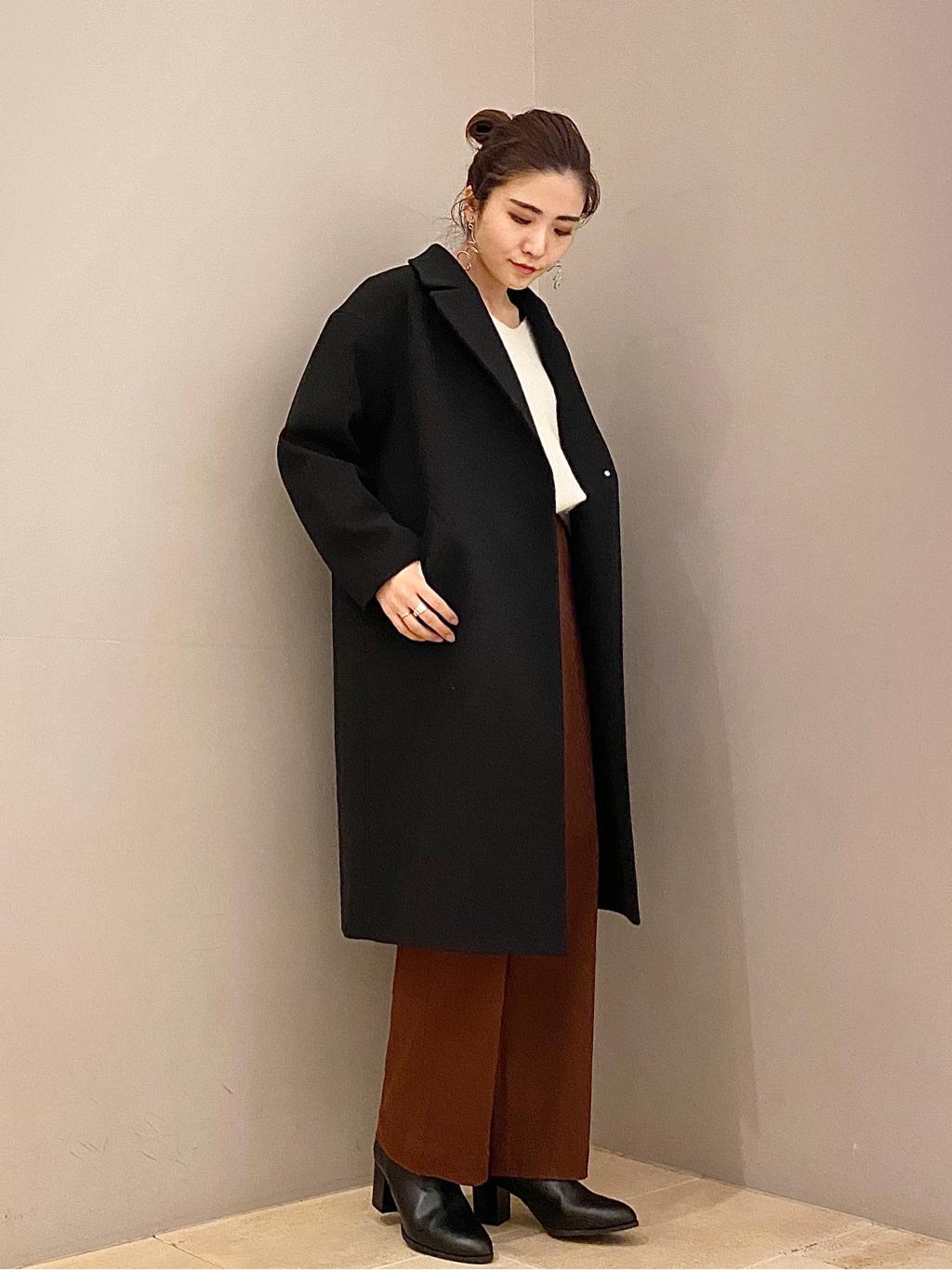 黒のチェスターコートを着こなすには?おしゃれに決まる旬のコーデをしよう