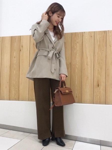ベルト付きジャケット×センタープレスパンツ