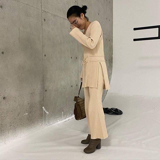 "ayakaneko on Instagram: ""today's...#ootd #akcloset #shootingday 着痩せ効果バツグンのニットアップ♡"" (6335)"