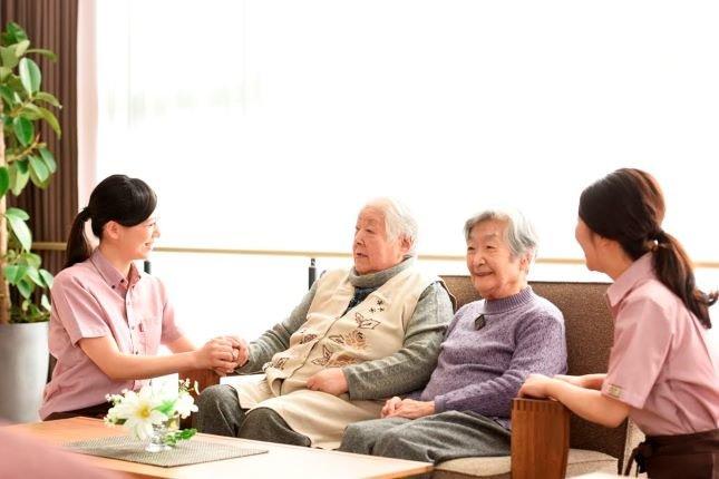 先輩の感じる「介護職のやりがい」をまとめてご紹介。仕事は魅力がないと続かない!