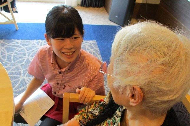 介護付有料老人ホームで働く生活相談員にインタビュー!より広い視点でご入居者様をサポート