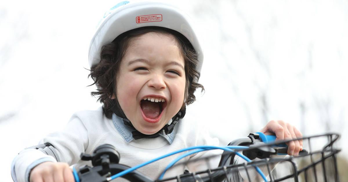 子どもの自転車デビュー年齢は?知っておきたい今どきの自転車事情