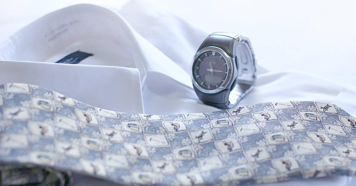 ビジネススーツに欠かせないワイシャツの正しいケア方法まとめ【選び方・選択方法・アイロン・たたみ方まで網羅!】