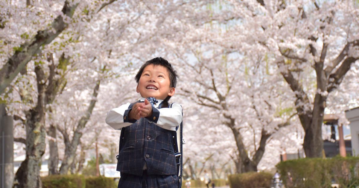 """カメラ初心者パパへ!我が子の""""最高の一瞬""""を逃さない入学式・入園式の撮影タイミングとテクニック"""